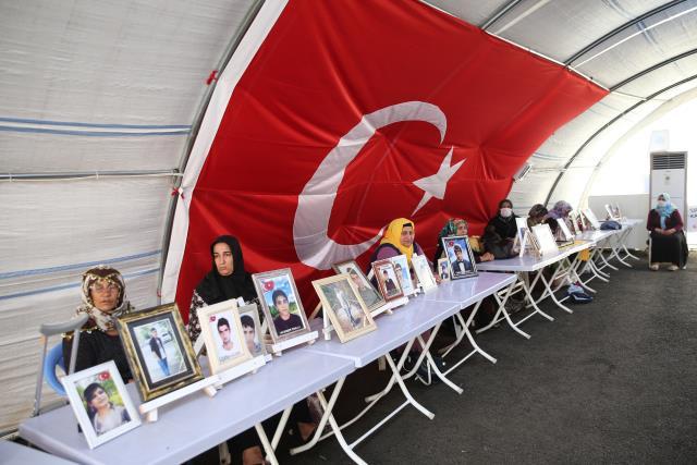 Diyarbakır anneleri evlatlarına 'teslim ol' çağrısında bulundu